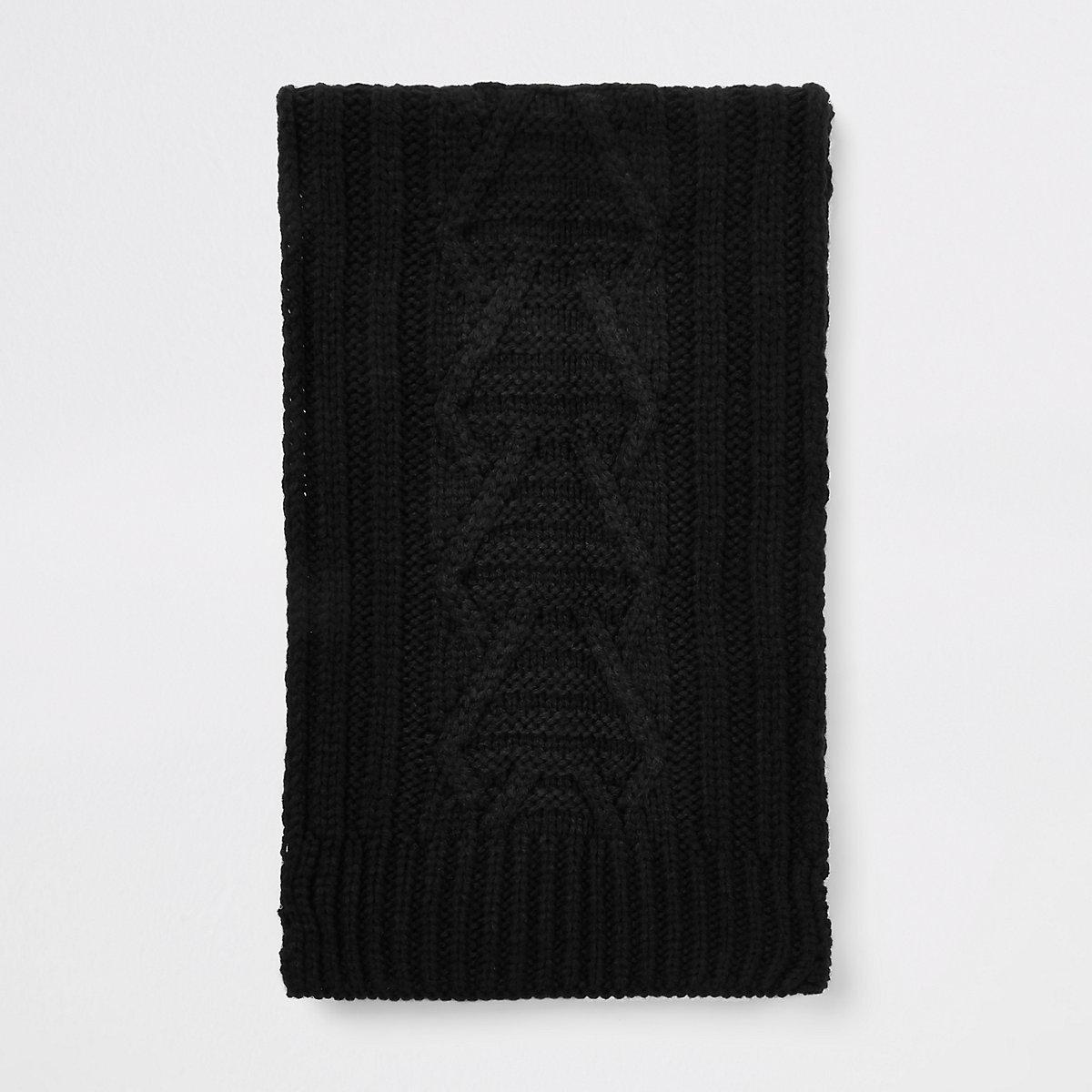 Écharpe en maille torsadée noire