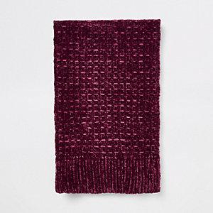 Rode gebreide chenille sjaal