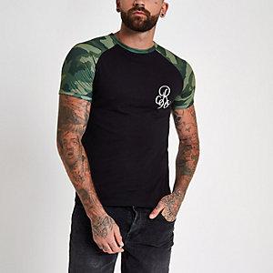 Zwart aansluitend T-shirt met camouflageprint en raglanmouwen