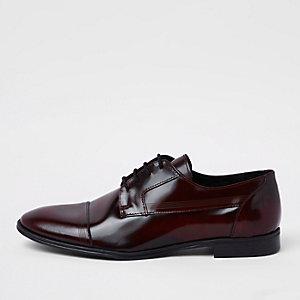 Chaussures derby en cuir rouge foncé à lacets