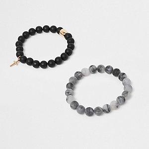 Lot de bracelets en perles mates noirs