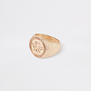 Gold tone marble wasp ring