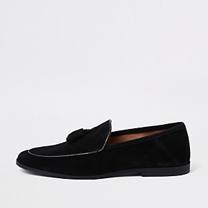 Black textured suede tassel loafer