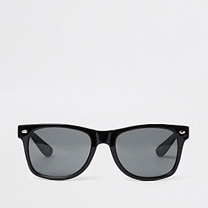 Black lens retro sunglasses