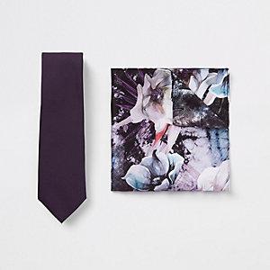 Ensemble cravate en satin violet et mouchoir de poche à fleurs