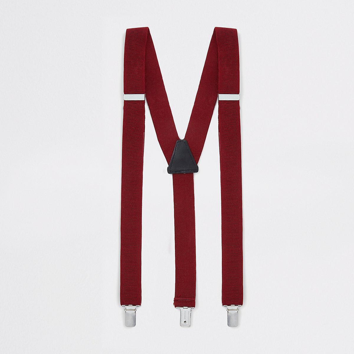 Red textured belt braces
