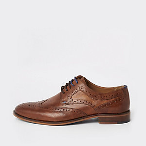 Mid brown leather lace-up brogue shoes