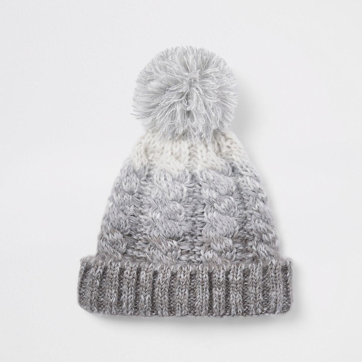 58eb36d7229a Ensemble bonnet et écharpe gris dégradé côtelés - Chapeaux ...