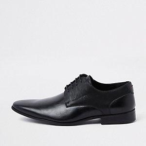 Zwarte derby veterschoenen met lijn in reliëf