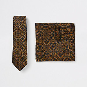 Black baroque print tie and handkerchief set