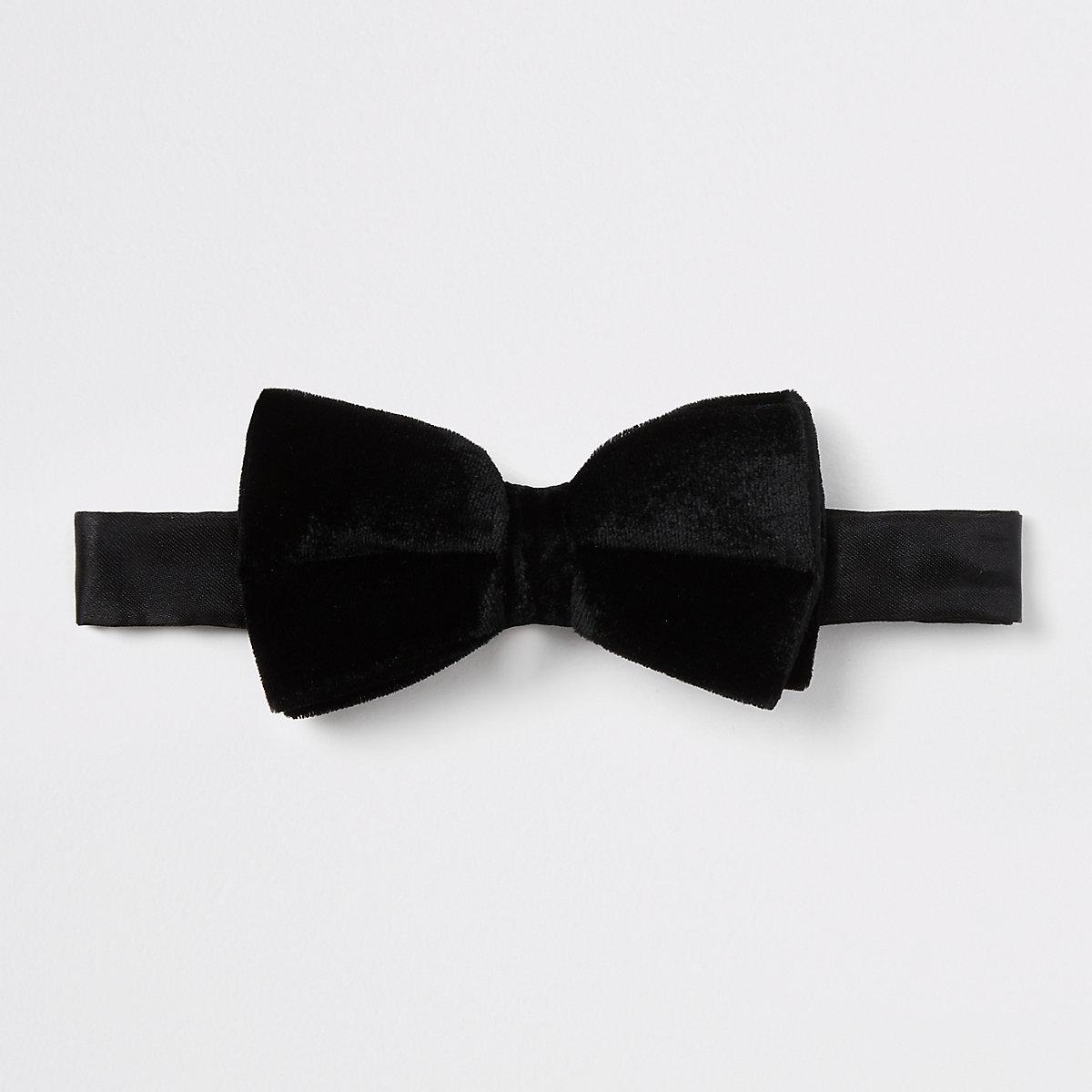 Black velvet bow tie