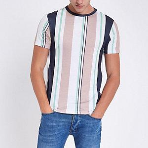Roze T-shirt met verticale strepen