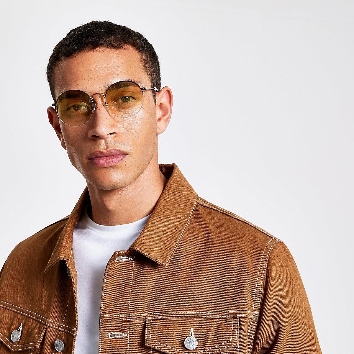 Brown round lens sunglasses