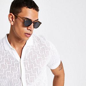 Braune, rechteckige Sonnenbrille