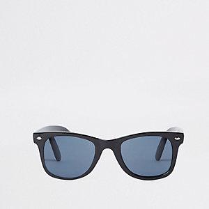 Zwarte smalle retro zonnebril met vierkant montuur en blauwe glazen