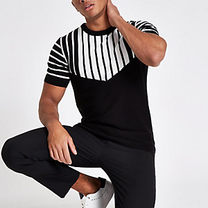 Black knit slim fit chevron split T-shirt