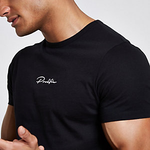 "Schwarzes Muscle Fit T-Shirt ""Prolific"""