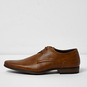 Tan wide fit lace-up derby shoes