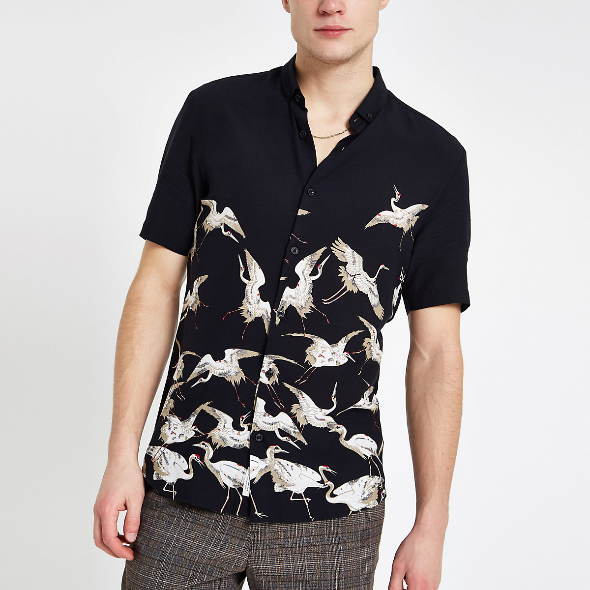 Black crane print short sleeve shirt