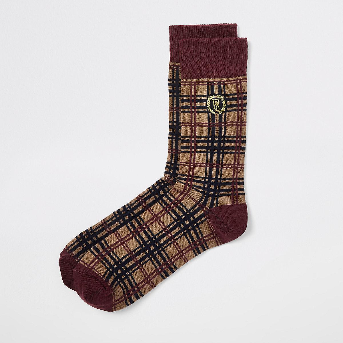 Chaussettes à écusson RI motif écossais marron