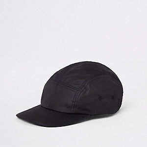 Black panel detail cap