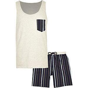 Pyjama mit Shorts und Aztekenmuster