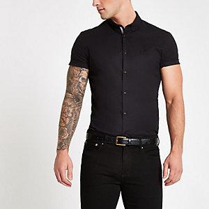 Chemise ajustée en popeline noire à manches courtes