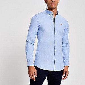 Blauw aansluitend Oxford overhemd met geborduurde wesp