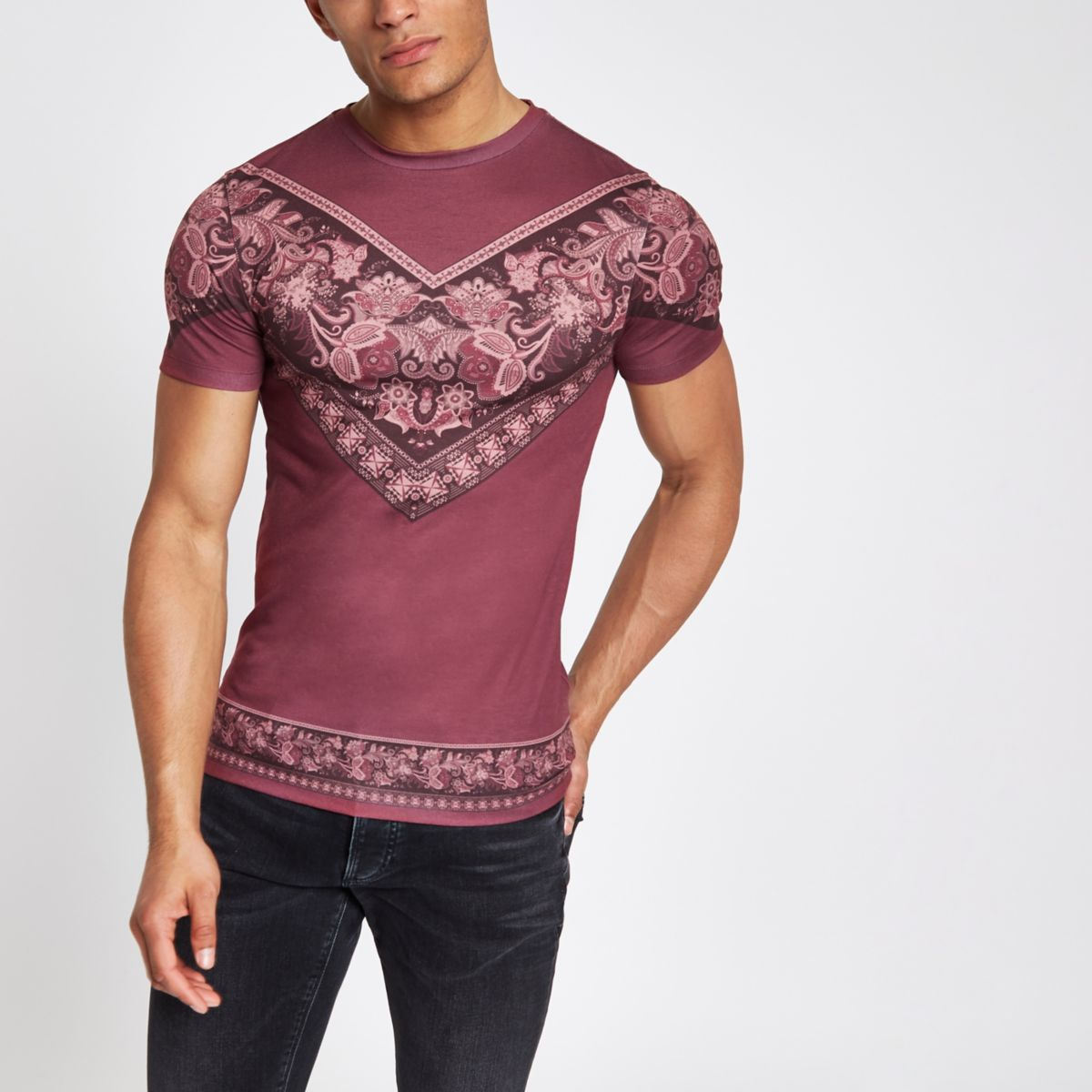 Red chevron paisley print muscle fit T-shirt