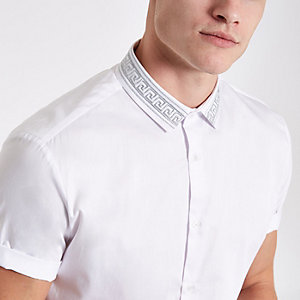 White embroidered collar short sleeve shirt