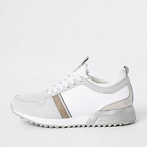 Witte vetersneakers met contrasterende 'MCMLXXVI'-print