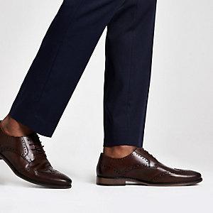 Chaussures Richelieu en cuir marron foncé à lacets