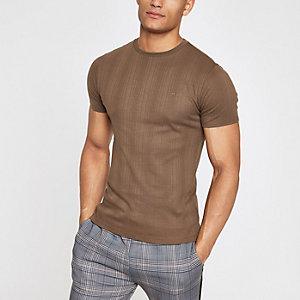 Aansluitend geribbeld lichtbruin T-shirt met borduursel