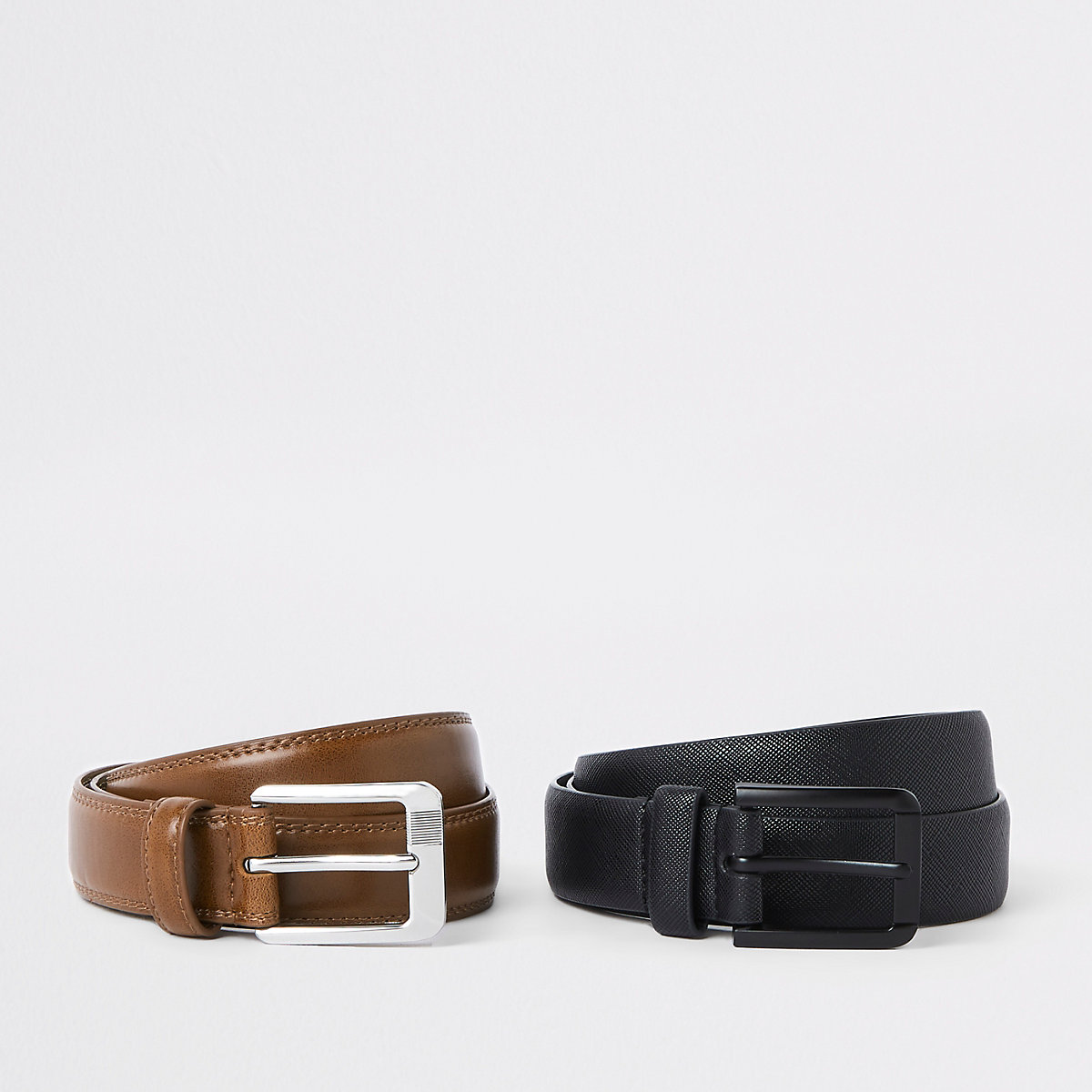 Black textured buckle belt pack
