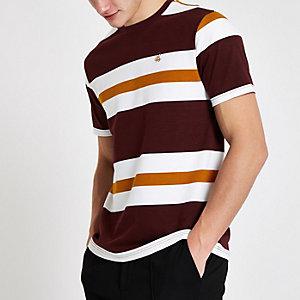 R96 slim-fit T-shirt in bordeauxrood met streep