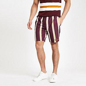Dunkelrote Slim Fit Shorts mit Streifen