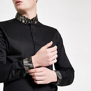 Zwart overhemd met lange mouwen en kraag met luipaardprint