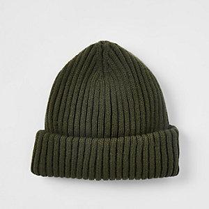 bonnet style pêcheur en maille kaki