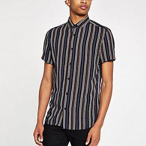 Schwarzes Hemd mit Streifen und Aztekenmuster