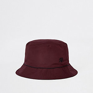 Burgundy piped bucket hat