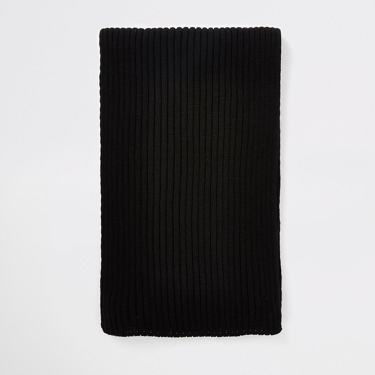 Black ribbed knit scarf