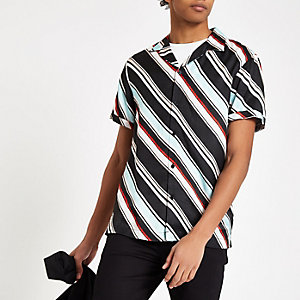Light blue diagonal stripe short sleeve shirt