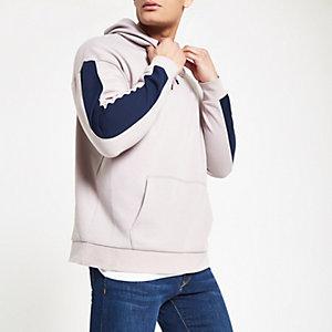 Lila slim-fit hoodie met paneel op de mouwen