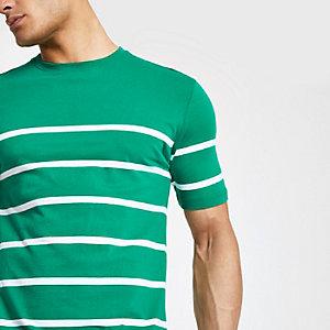 Minimalistisch groen gestreept T-shirt