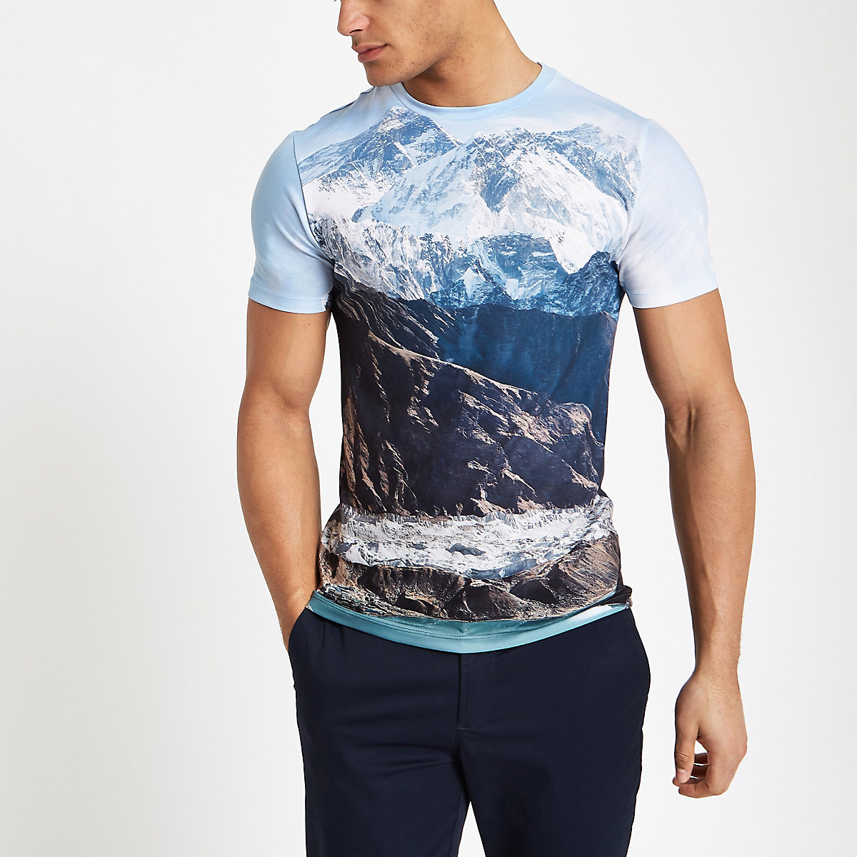 White landscape print muscle fit T-shirt