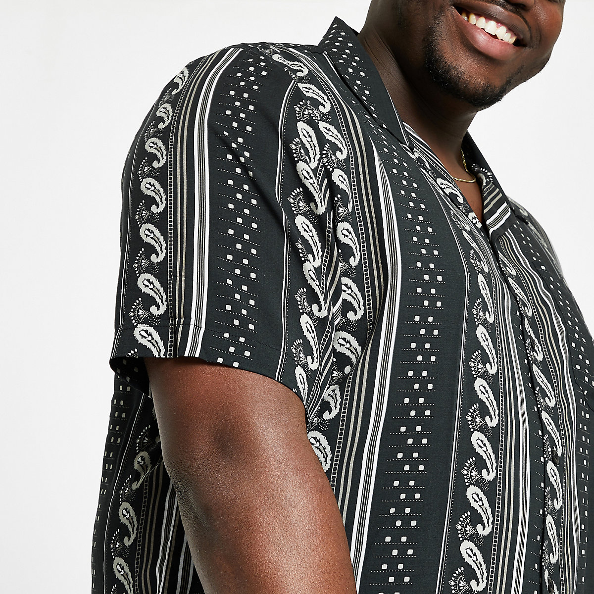 Big & Tall – Kurzarmhemd mit Aztekenmuster