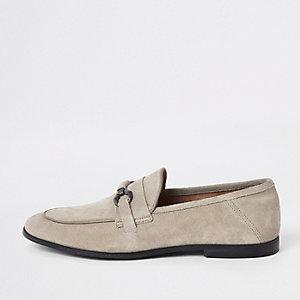 Lichtgrijze suède loafers