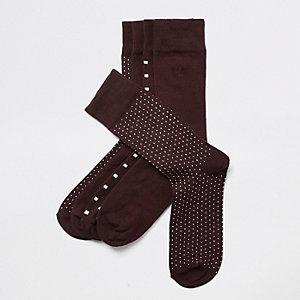 5 paar bordeauxrode sokken met stippen