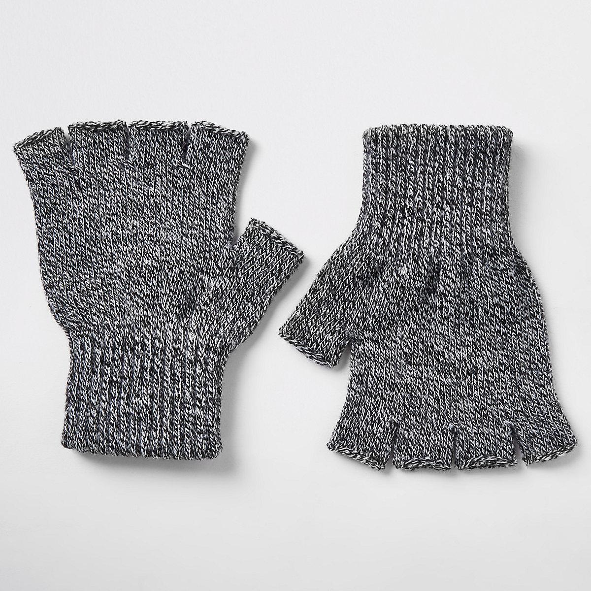 Grey knit fingerless gloves