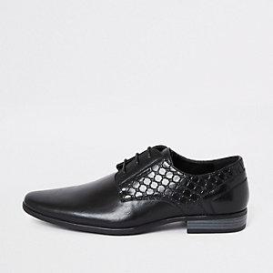 Zwarte derby schoenen met 'RI'-logo en reliëf